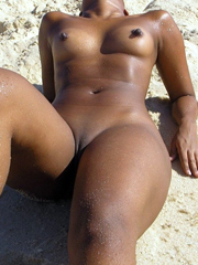 Big ebony nipples, beautiful babe naked..