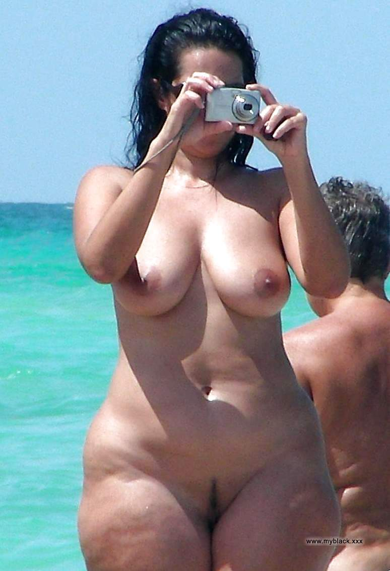 lost her top nude